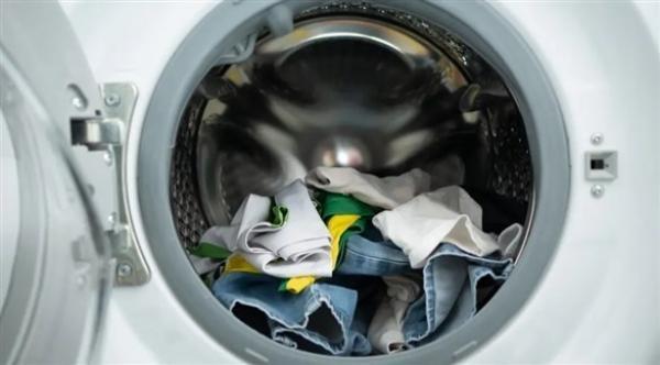 تعرف على الطريقة الصحيحة لغسل ملابس مريض كورونا