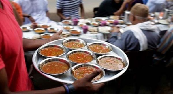 الحرس الملكي يوزع حوالي 150 الف وجبة إفطار بست مدن مغربية