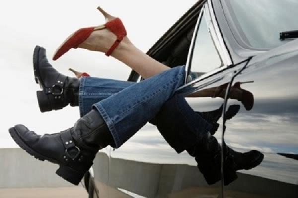 المنكر في نهار رمضان...اعتقال شاب وشابة متلبسين بممارس الجنس في الشارع العام