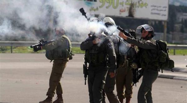 استشهاد شاب فلسطيني ثان وإصابة 40 آخرين برصاص قوات الاحتلال الإسرائيلي شرق قطاع غزة