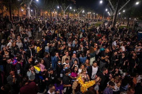 إسبانيا تخفف تدابير الحجر والسكان يحتفلون.. ما هي القيود المطبقة في كل إقليم؟