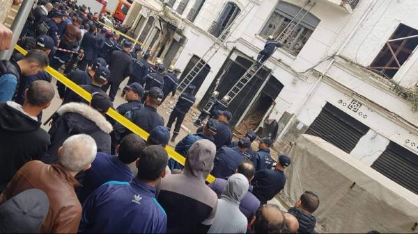 خمسة قتلى في انهيار عمارة بالجزائر العاصمة