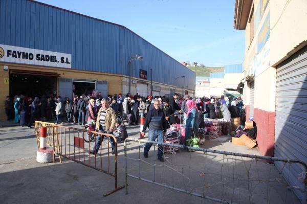 في سابقة من نوعها...المغرب يجبر كبار تجار سبتة المحتلة على نقل سلعهم باتجاه إسبانيا تفاديا للإفلاس