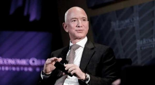 """بيزوس يحتج على منح ناسا عقداً بـ 2.9 مليار دولار لـ """"سبيس إكس"""""""