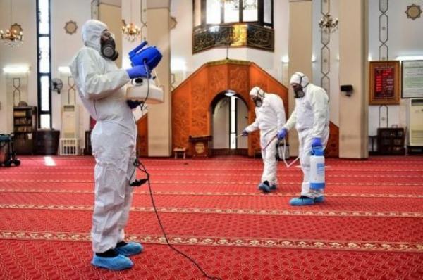 وزارة الأوقاف تفرض شروطا صارمة لاستئاف الصلاة بالمساجد
