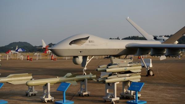 """في محاولة لتحقيق توازن القوى...الجزائر تعقد صفقة مع الصين للحصول على طائرات """"وينغ لونغ 2"""" المسيرة"""