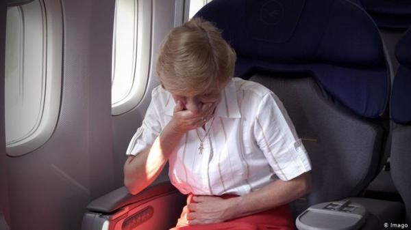 """طرق بسيطة وفعالة لتجنب الإصابة بـ""""أمراض الطيران"""""""