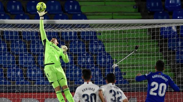 ريال مدريد يضيع نقطتين في الصراع على لقب الليغا