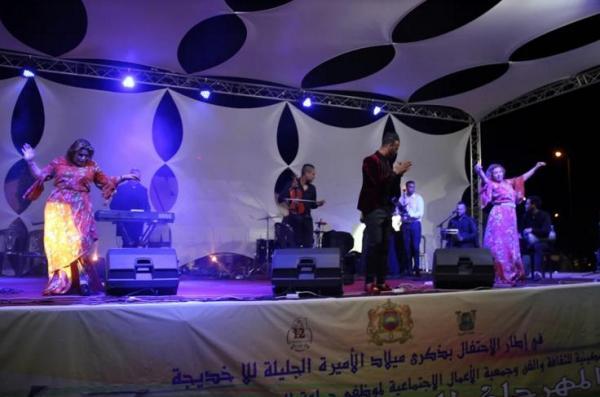 بالفيديو: اختتام المهرجان الربيعي للبروج في نسخته ال12 بحضور نجوم الفن المغربي