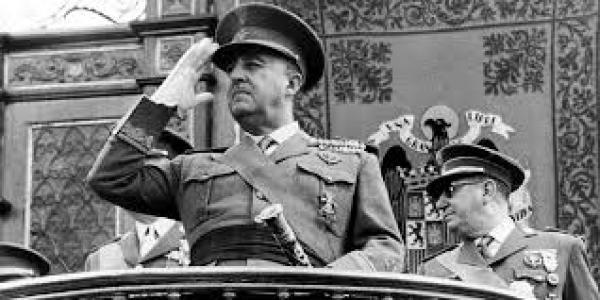 إسبانيا .. استخراج رفات الجنرال السابق فرانسيسكو فرانكو وإعادة دفنه سيتم يوم 24 أكتوبر الجاري