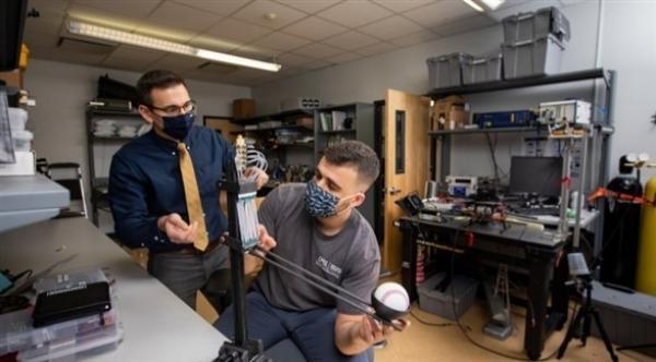 باحثون ينجحون في ابتكار تقنية جديدة لصناعة عضلات روبوتية تتشابه مع حركة البشر