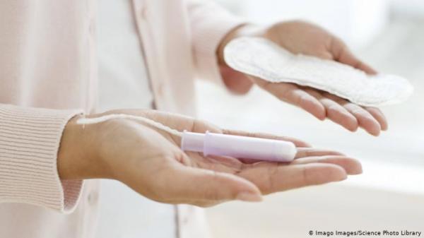 سابقة عالمية: البرلمان الاسكتندي يصوت على تمكين  النساء بمستلزمات الدورة الشهرية بالمجان