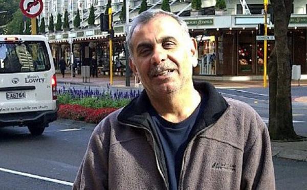 """مواطن عربي يتحول إلى """"بطل"""" بعدما واجه الرصاص لحماية ابنيه من سفاح نيوزيلندا"""