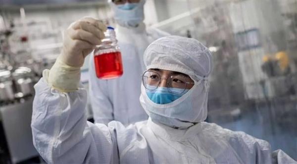 """أول تجربة للقاح """"كورونا"""" بأمريكا تقترب من مرحلتها النهائية"""