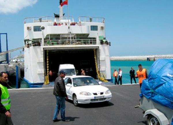"""توقيف 5 أشخاص بميناء طنجة المتوسطي انتحلوا هويات مستخدمين من أجل """"الحريك""""!"""