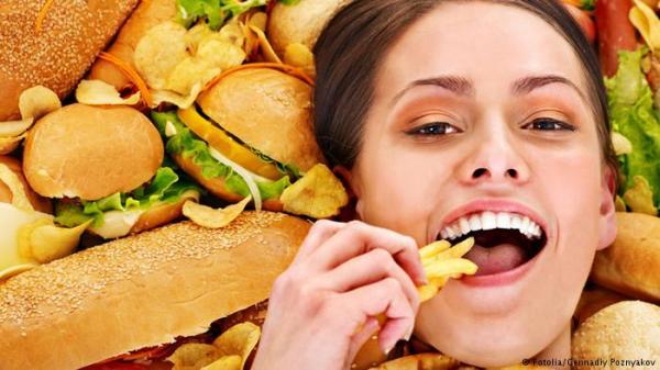 دراسة: الأطعمة المقلية تزيد من مخاطر الوفاة لدى النساء