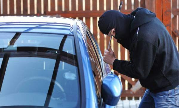 تفاصيل الإيقاع بواحدة من أخطر عصابات سرقة السيارات ببرشيد