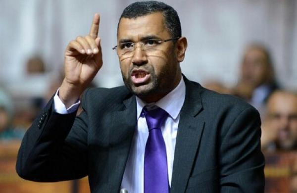 """برلمانيو العدالة والتنمية يهاجمون قرار الحكومة فرض """"جواز التلقيح"""" على المواطنين"""