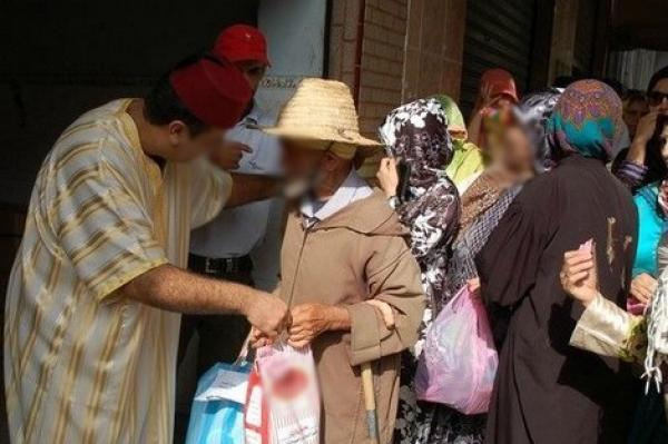 """""""قفة رمضان""""...إعانة للمغاربة أم إهانة لهم وهدر لكرامتهم؟"""