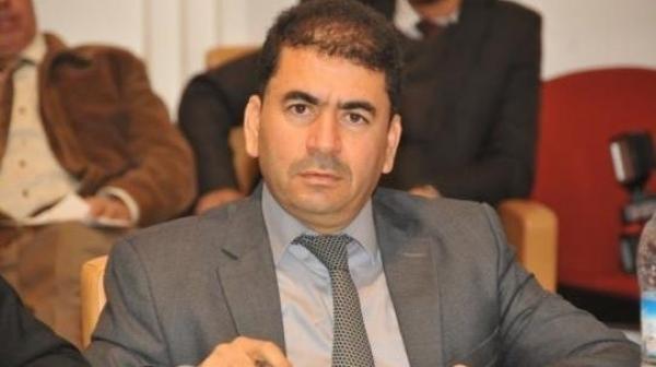 """""""بنكيران"""" يكشف عن موقفه من فضيحة برلماني البيجيدي """"مول النقلة"""""""