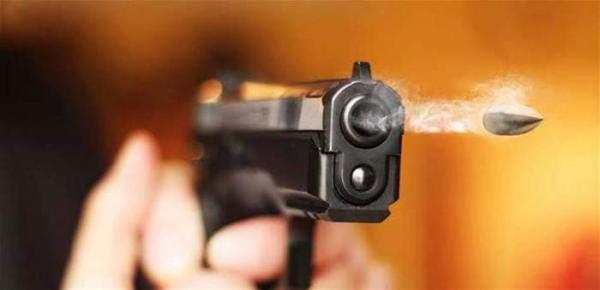إطلاق النار على لص مسلح وخطير بدرب السلطان كان على وشك الفتك بمواطنين ورجال أمن