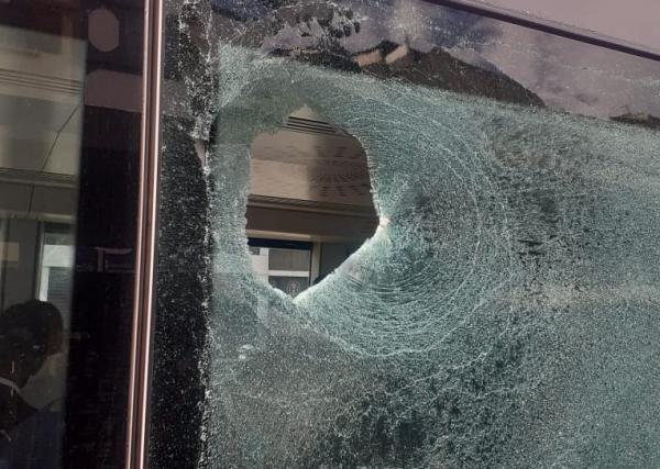 إصابة شخص بجروح خطيرة بعد رشقه بالحجارة داخل طرامواي الدار البيضاء والشركة تُوضح