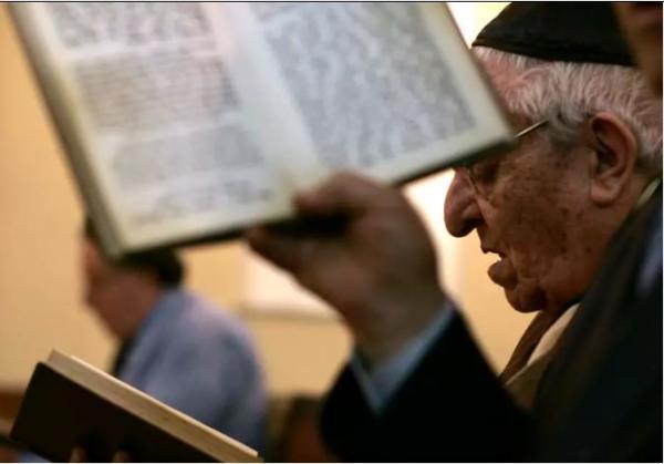 """موقع عبري يؤكد: سيتم تدريس""""محرقة اليهود"""" في المدارس المغربية"""