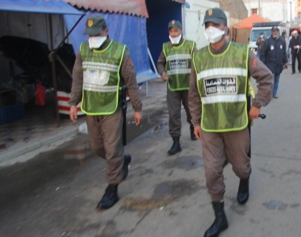 مجهودات السلطات المحلية والأمنية متواصلة لفرض حالة الطوارئ الصحية بالدار البيضاء الكبرى