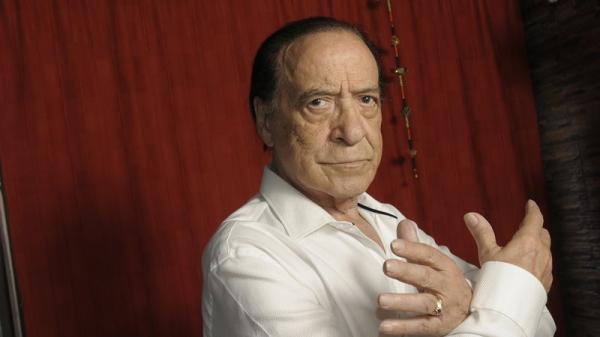 وفاة أسطورة التانغو ومصمم الرقصات الأرجنتيني خوان كارلوس كوبس بفيروس كورونا