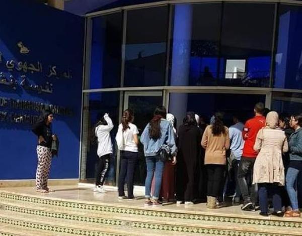 مغاربة يُلبون نداء التبرع بالدم لإنقاذ ضحايا فاجعة القطار..وأنباء عن زيارة ملكية للمستشفى العسكري