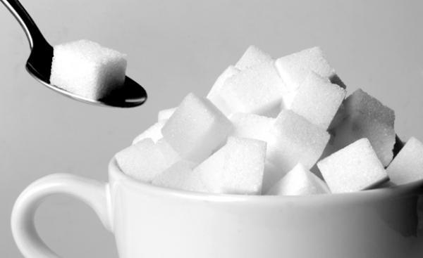 مجموعة من النصائح للتخلص من الرغبة الشديدة في تناول السكر