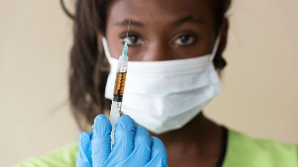 """قريبا .. المغرب يتحول إلى مُصدر للقاح """"كورونا"""" إلى مختلف البلدان الافريقية"""