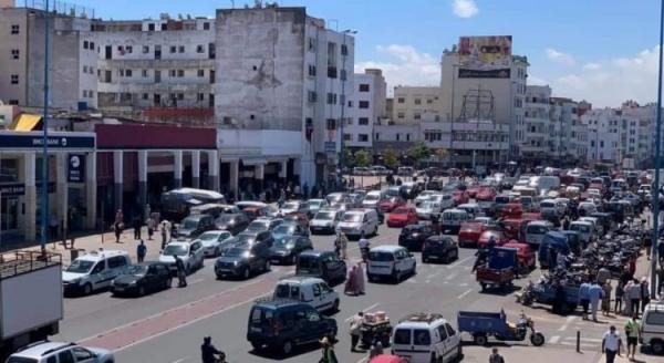 """عودة """"الفوضى"""" إلى شوارع المملكة ينذر بـ """"الكارثة"""" بعد تخفيف إجراءات الحجر الصحي"""