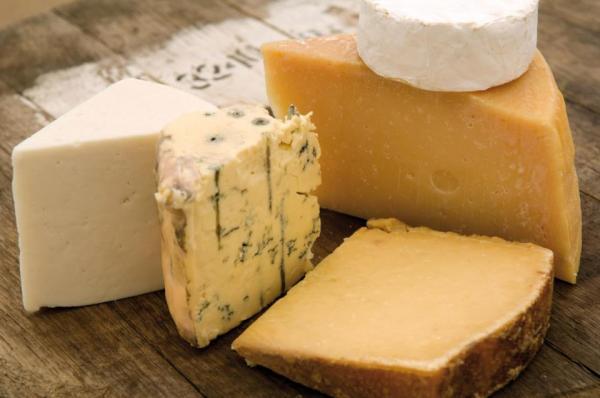 أكل الجبن يومياً يحمي القلب