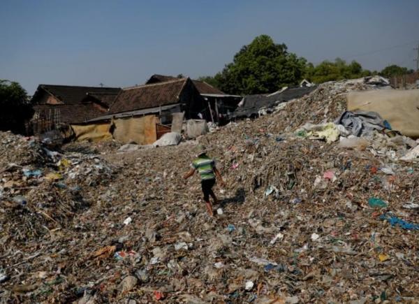 المال مقابل الأزبال.. قرية إندونيسية تعيش من تدوير النفايات