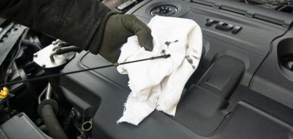 تعرف على أبرز أسباب نقص زيت المحرك وكيفية معالجته