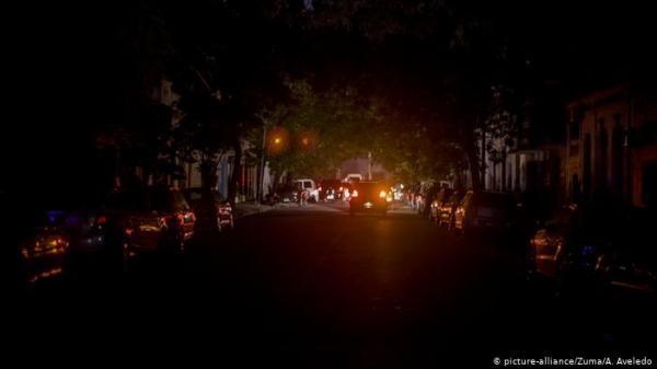 انقطاع التيار الكهربائي عن دول بأكملها في أمريكا الجنوبية