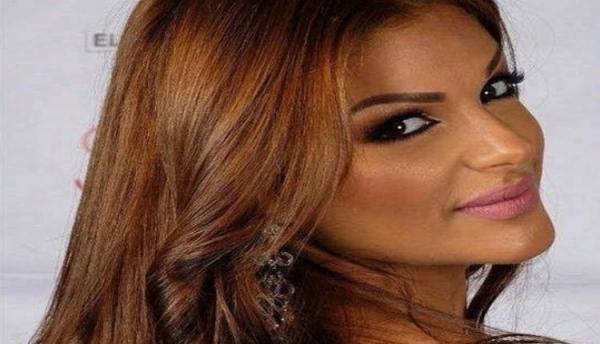 """بالفيديو: الراقصة المغربية المثيرة للجدل """"مايا"""" تنعت المصلين بـ""""الخانزين"""""""