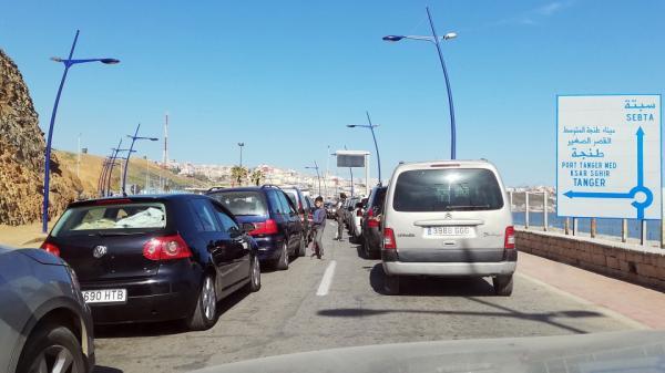 غرامات مالية في انتظار أصحاب السيارات بمعبر باب سبتة