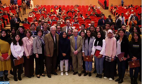 """مؤسسة """"محمد السادس"""" تخصص 3 ملايين لدعم متفوقي أبناء شغّيلة التعليم"""