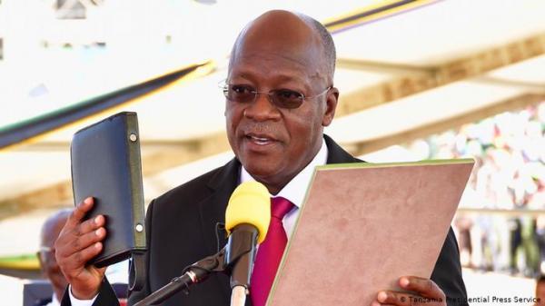 رئيس تنزانيا يرفض اللقاحات: الله سيحمينا من كورونا وسنعتمد على الوصفات المحلية