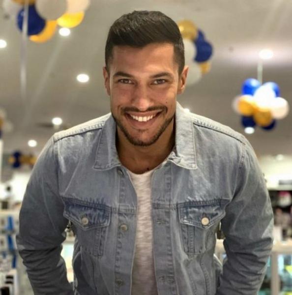 """من يكون المغربي الذي فاز بلقب """"أجمل رجل في إيطاليا"""" (صور)"""