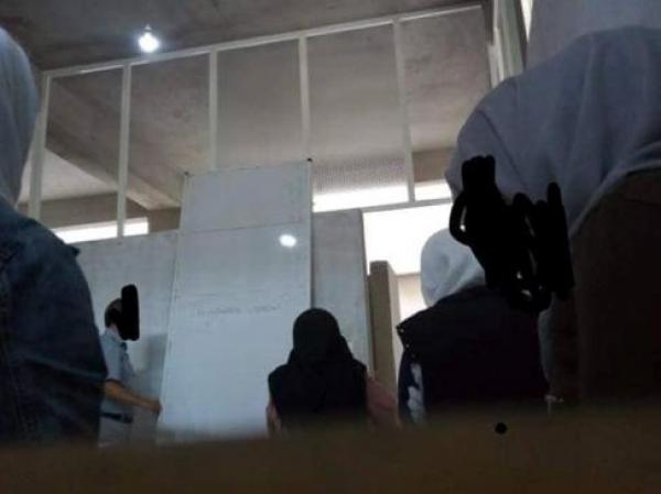 حيث هما غير ولاد الشعب : شوفو الظروف لي كيقراو فيها تلاميذ بالمغرب العميق (الصور )
