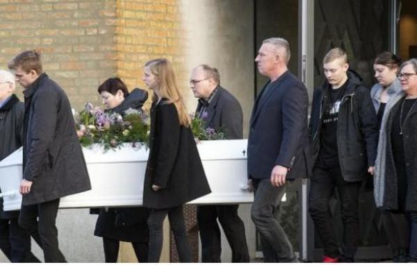 """بالصور: تشييع جثمان الدنماركية """"لويزا"""" إحدى ضحيتي جريمة """"شمهروش"""""""