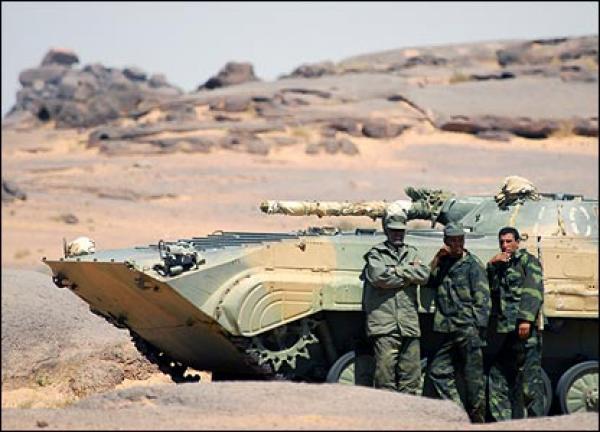 """""""البوليساريو"""" تهدد مباشرة بحمل السلاح ضد المغرب وتهاجم الأمم المتحدة وتتهمها بالخيانة"""
