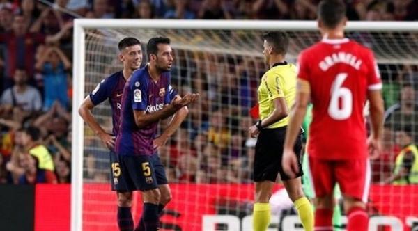 مدافع برشلونة فقد جزءاً من أسنانه خلال مواجهة صلاح