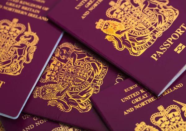 تفاصيل الاطاحة بهولندي يزور جوازات سفر أجنبية ويبيعها في مراكش