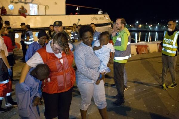 مصرع 3 حراكة و فقدان 18 إثر غرق قارب إنطلق من سواحل الناظور