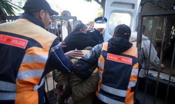 أمن البيضاء يوقف متهورا حاول اختطاف ضحية من داخل حافلة