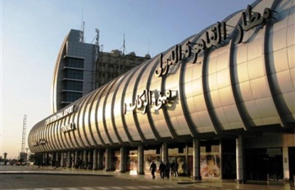 هبوط اضطراري لطائرة سعودية بمطار القاهرة الدولي